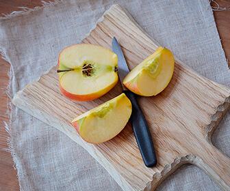 las-manzanas-el-apio-y-la-colifor-ayudan-a-mantener-unos-dientes-blancos